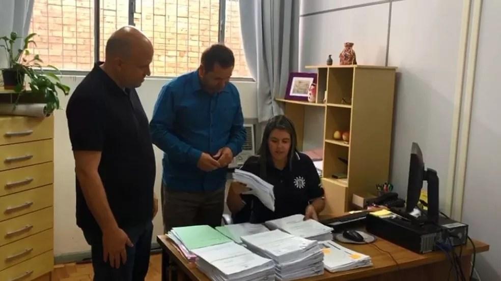 Investigações ocorreram em Vacaria, no Rio Grande do Sul — Foto: Polícia Civil/ Divulgação