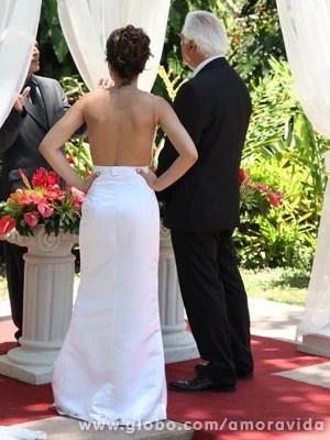 Detalhe das costas do vestido (Foto: Jacson Vogel / Amor à Vida)