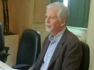 Fortunati concede entrevista para falar do 13° dos funcionários (Foto: Jonas Campos/RBS TV)