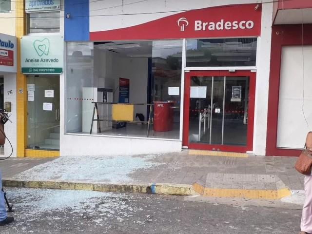 Agência do Bradesco atacada em São Paulo do Potengi — Foto: Kleber Teixeira/Inter TV Cabugi