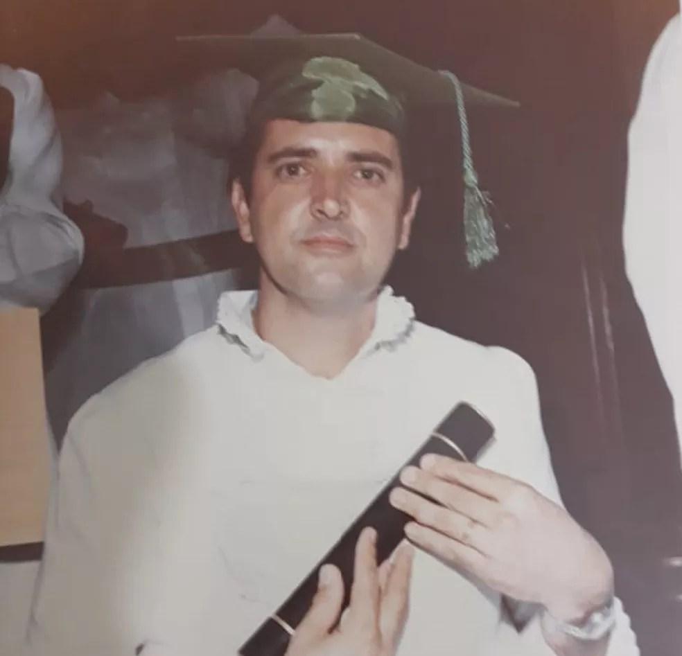 Professor de Salto (SP) começou a lecionar em 1987 e deu aula para esposa — Foto: Arquivo Pessoal