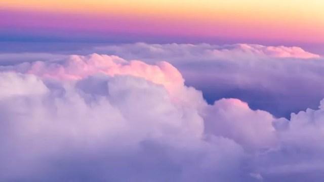 A forma das nuvens é complicada e irregular: o tipo de forma que os matemáticos costumavam evitar, privilegiando as regulares, como as esferas, que eles eram capazes de domar com equações — Foto: Getty Images/BBC