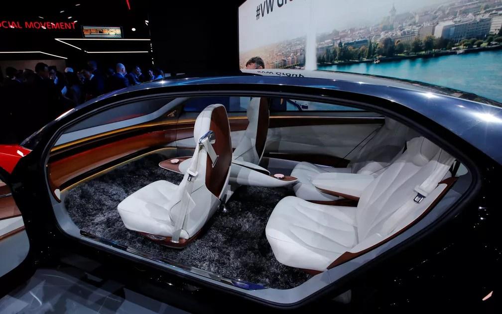 Volkswagen mostra carro sem volante, o conceito I.D. Vizzion, elétrico (Foto: Denis Balibouse/Reuters)