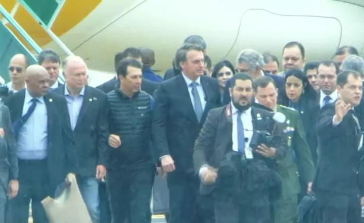 Bolsonaro desembarca em Vitória da Conquista, na Bahia, para inauguração de aeroporto — Foto: Reprodução/GloboNews