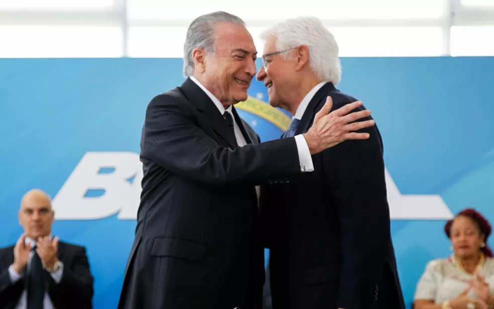 O presidente Michel Teme e o ministro da Secretaria-Geral, Moreira Franco (Foto: Beto Barata/PR)
