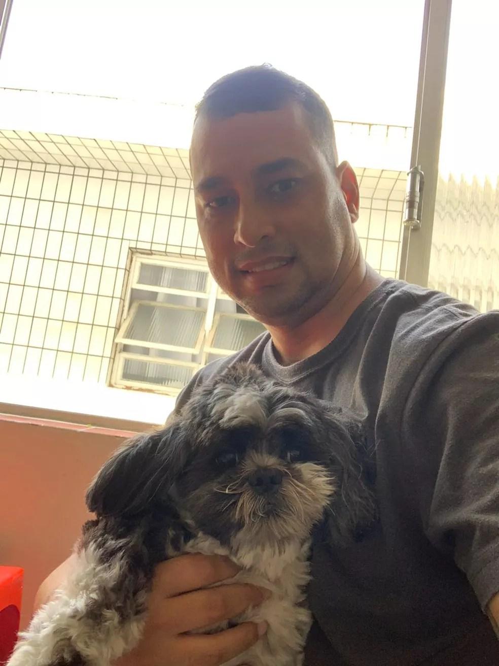 Já recuperado, Alexsandro ainda sente fraqueza no braço direito — Foto: Arquivo pessoal