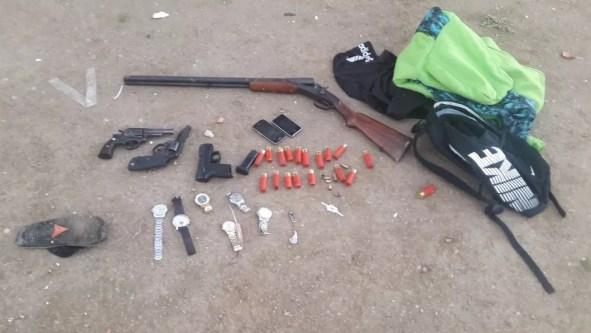 Materiais foram apreendidos com os suspeitos  (Foto: Divulgação/Polícia Civil)
