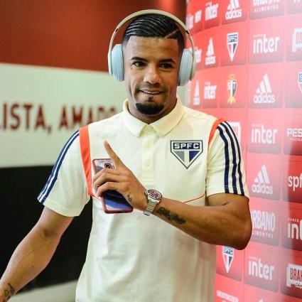 Bruno Peres é um dos jogadores que deverá sair do São Paulo — Foto: Renato Pizzutto/BP Filmes