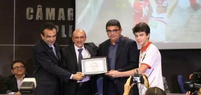 Flávio Araújo, técnico do River-PI título de cidadania (Foto: Abdias Bideh/GloboEsporte.com)