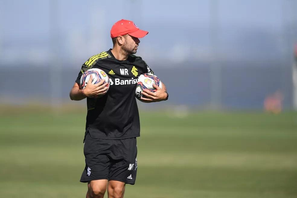 Miguel Ángel Ramírez irá poupar os principais jogadores no sábado — Foto: Ricardo Duarte / Internacional