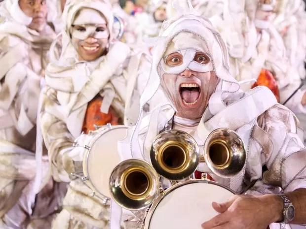 Às 6h02 deste domingo (10), foram abertos os portões para a Império de Casa Verde, última escola do grupo especial do carnaval paulistano a desfilar. (Foto: Raul Zito/G1)