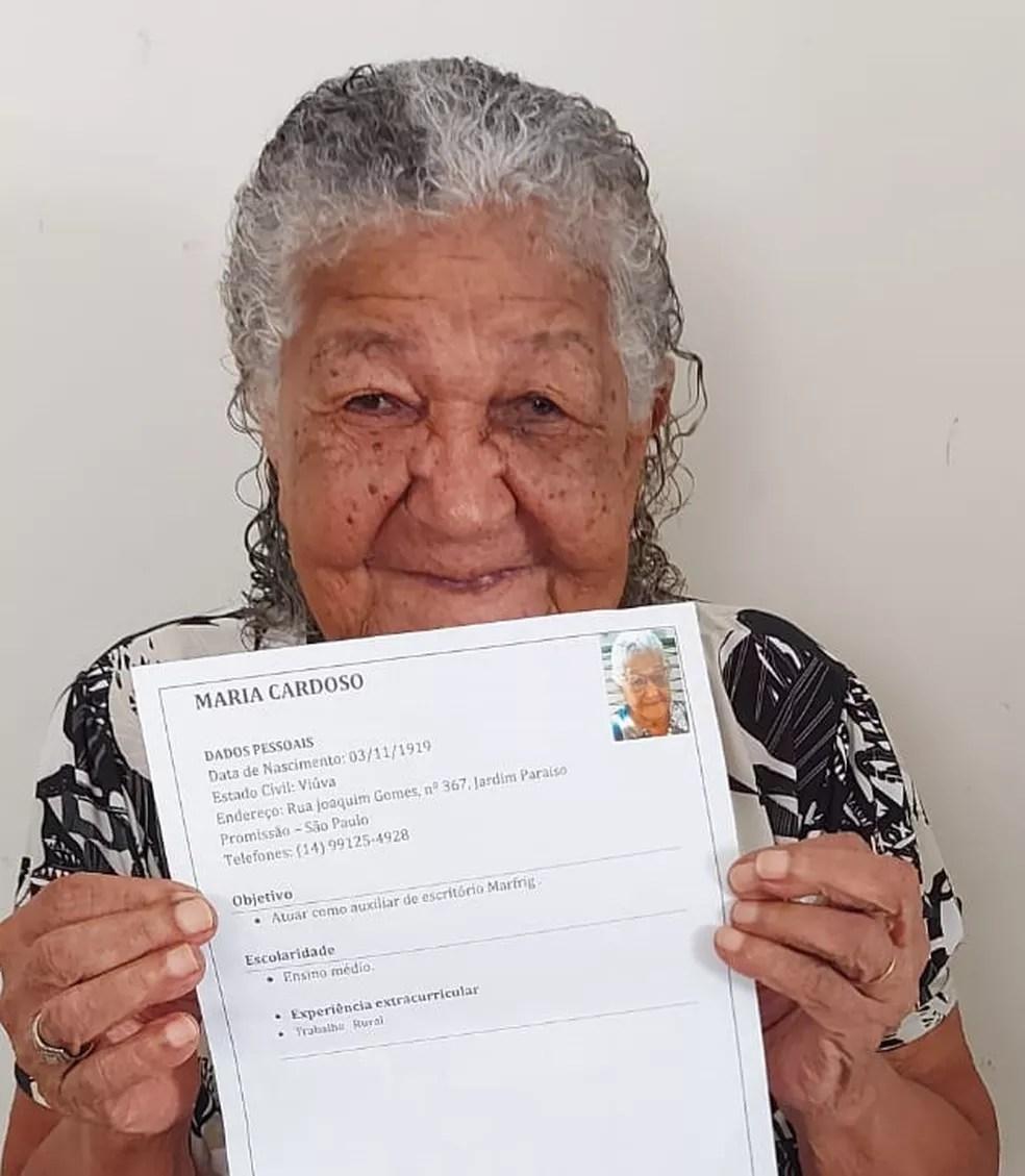 Dona Maria fez currículo com intenção de trabalhar em Promissão para comprar vinhos  — Foto: Arquivo pessoal/Pâmela Cristina Matias Gomes