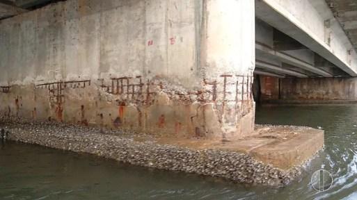Há 29 anos sem manutenção, Ponte de Igapó foi avaliada por técnicos do Crea em 2018 — Foto: Reprodução/Flávio Muniz/Inter TV Cabugi