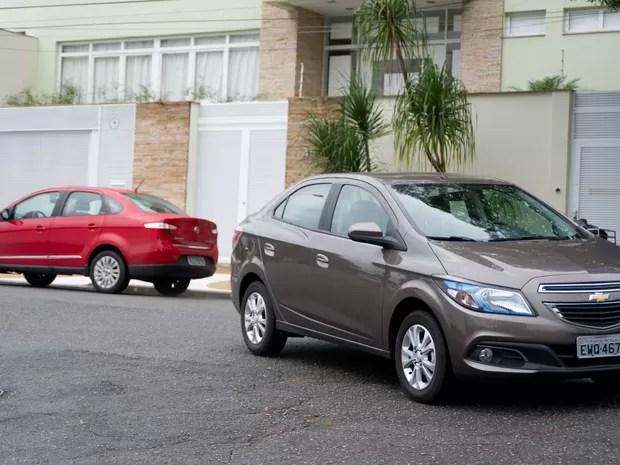 Comparativo Chevrolet Prisma contra Fiat Grand Siena (Foto: Flavio Moraes/G1)