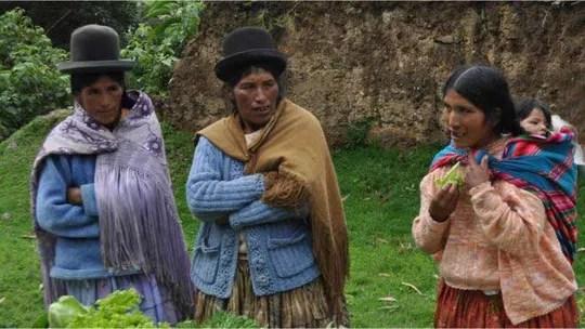 Resultado de imagem para mulheres bolivianas