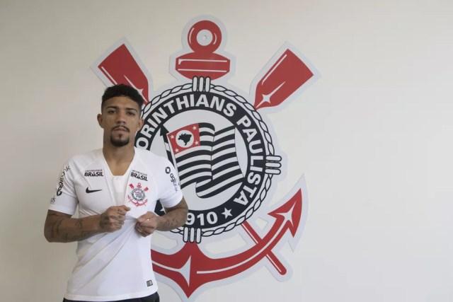 Douglas é reforço do Corinthians (Foto: Daniel Augusto Jr./Ag. Corinthians)