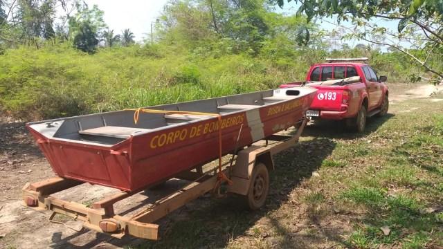 Bombeiros estão no local fazendo buscas, em Porto Velho — Foto: Rede Amazônica/Reprodução