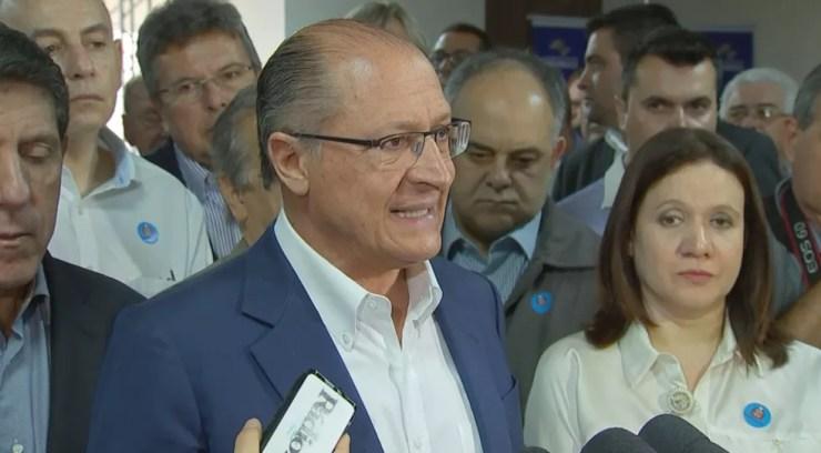 Geraldo Alckmin visitou a agente durante visita a Rio Preto (Foto: Reprodução/TV TEM)