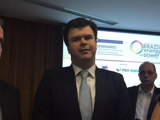 O ministro de Minas e Energia, Fernando Coelho Filho, em evento no Rio de Janeiro (Foto: Daniel Silveira/G1)