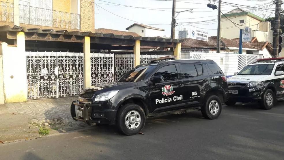 Imóvel localiza-se na Ponta da Praia de Santos, SP, em uma área residencial (Foto: Divulgação/Polícia Civil)