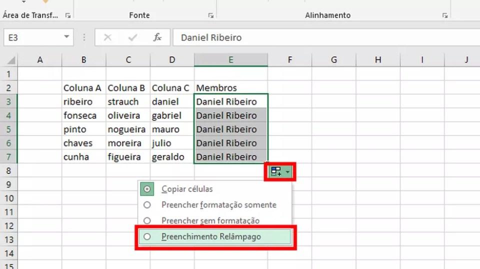 Aperte no ícone e na opção em destaque para ativar o Preenchimento Relâmpago no Excel (Foto: Reprodução/Daniel Ribeiro)