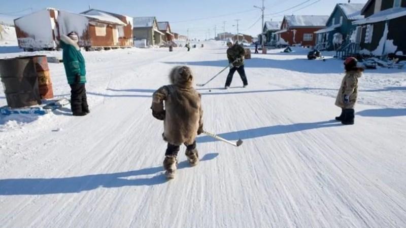 Muitas comunidades inuítes, em Nunavut e em outros lugares, correm um risco muito maior de infecções — Foto: Getty Images via BBC