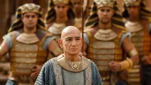 Em meio à trama Mitani para conquistar o Egito, Tut lida com uma doença mortal que se espalha pelo reino e uma tração inesperada de seu círculo íntimo. Minissérie transformada em filme.