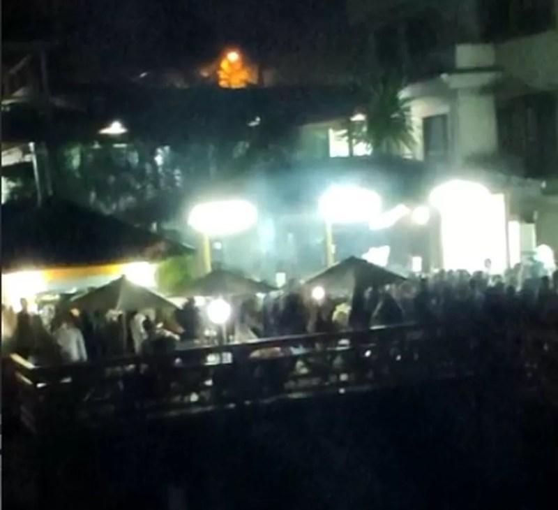 Moradores de Guarulhos denunciam festa clandestina em um bar durante durante a quarentena.  — Foto: Reprodução