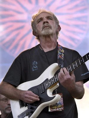 J.J. Cale durante o Eric Clapton Crossroads Guitar Festival em Dallas, Texas, no dia 5 de junho de 2004 (Foto: AP Photo/Tony Gutierrez)