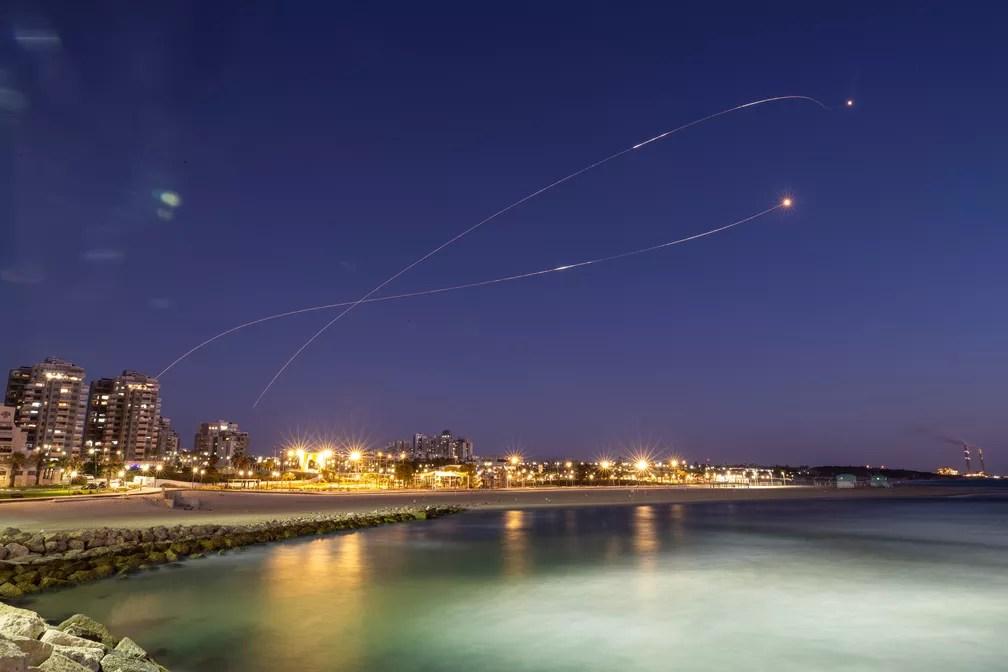 2021-05-19t190035z-1413149118-rc25jn9o0ygm-rtrmadp-3-israel-palestinians Israel volta a bombardear Gaza após EUA pedirem 'desescalada'