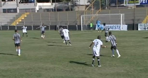 Castelo e Atlético-ES empatam e permanecem fora do G-2 do Grupo B (Foto: Reprodução/ TV Gazeta Sul)