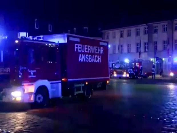Bomba explodiu em restaurante da cidade, segundo autoridades (Foto: News5 via AP)
