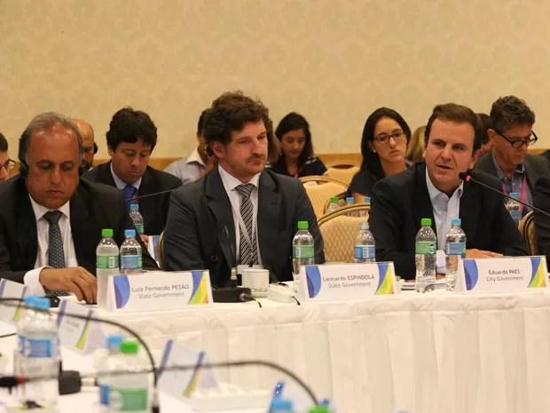 O governador Pezão ao lado do secretário Espíndola e do prefeito Paes em evento do COI (Foto: Beth Santos/ Divulgação/ Prefeitura do Rio)
