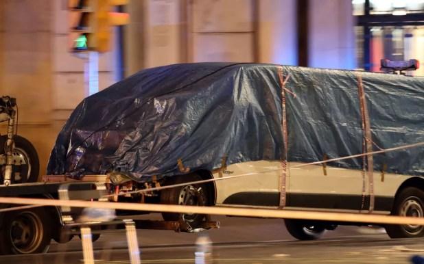 Testemunhas afirmam que a van saiu em zigue-zague atropelando as pessoas (Foto: Reuters/Sergio Perez)