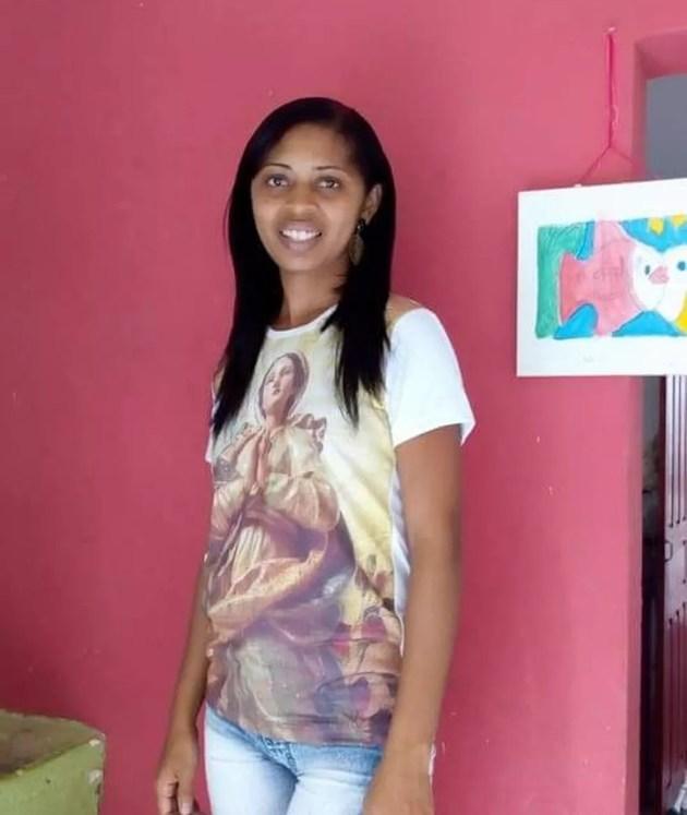 Simone Régis Sales Nogueira, de 28 anos, foi morta a golpes de faca em São Luís. (Foto: Reprodução/TV Mirante)