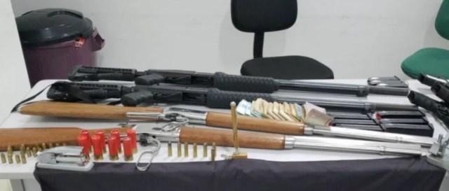 Armamento foi encontrado na casa do vereador — Foto: DIvulgação/Polícia Civil