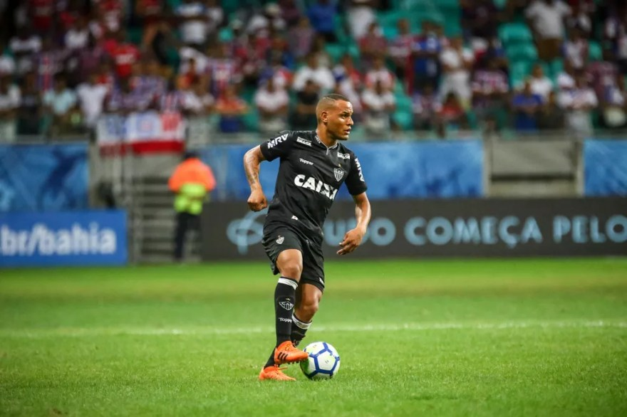Lateral Patric reconhece mau momento do setor defensivo do Galo (Foto: Bruno Cantini/ Atlético-MG)