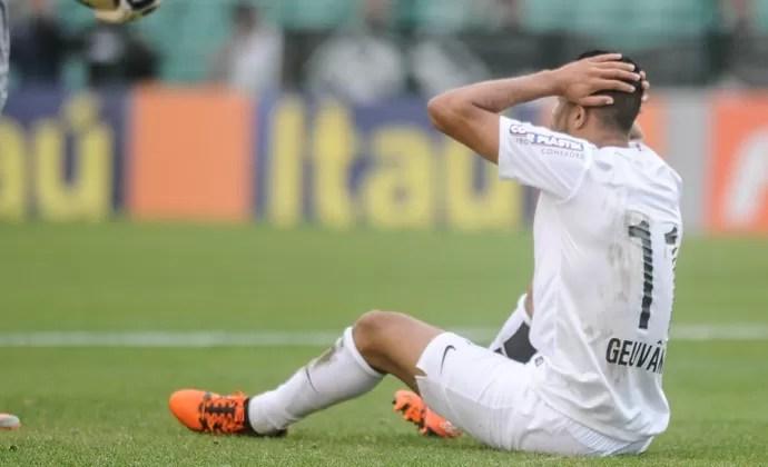Geuvânio Figueirense x Santos (Foto: EDUARDO VALENTE/FRAMEPHOTO/ESTADÃO CONTEÚDO)