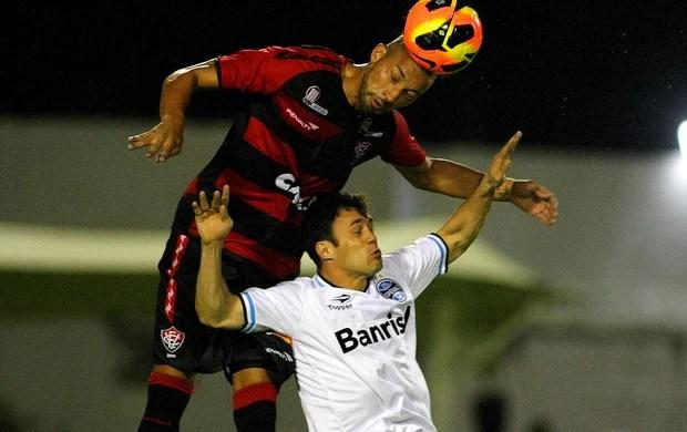 Kleber Grêmio e Kadu Vitória série A (Foto: Edson Ruiz / Agência Estado)