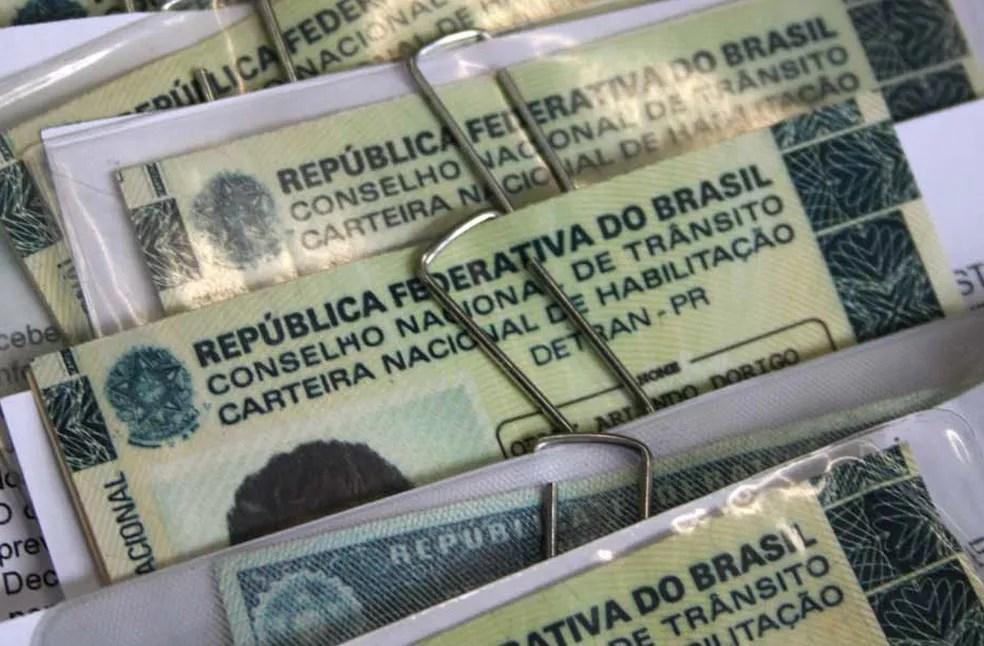 Emissão da CNH impressa continua sendo obrigatória (Foto: Divulgação/Detran-PR)