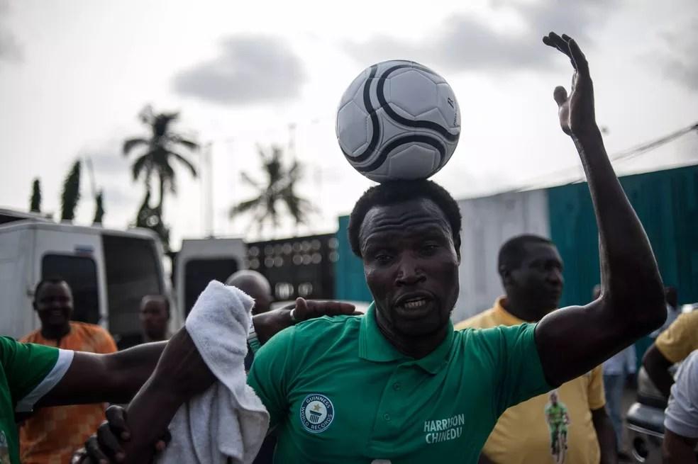 Tentativa bem sucedida foi realizada em Lagos, na Nigéria (Foto: STEFAN HEUNIS/AFP )