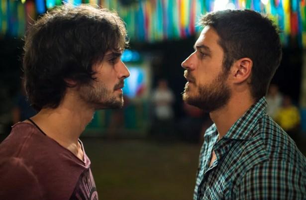 Ruy e Zeca vão juntos atrás de Ritinha (Foto: Globo / Estevam Avellar)