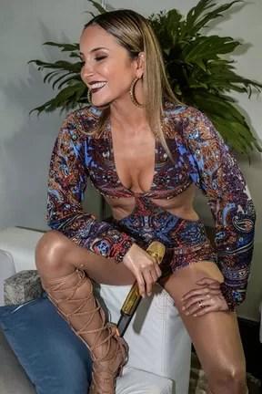 Claudia Leitte em festa em Fortaleza, no Ceará (Foto: Francisco Cepeda e Denilson Santos/ Ag. News)