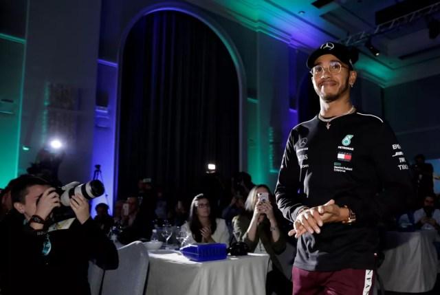 Lewis Hamilton em evento promocional em São Paulo na semana do GP do Brasil — Foto: REUTERS/Paulo Whitaker