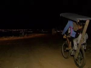 Trajeto de bicicleta começa na madrugada (Foto: Reginaldo dos Santos/ EPTV)