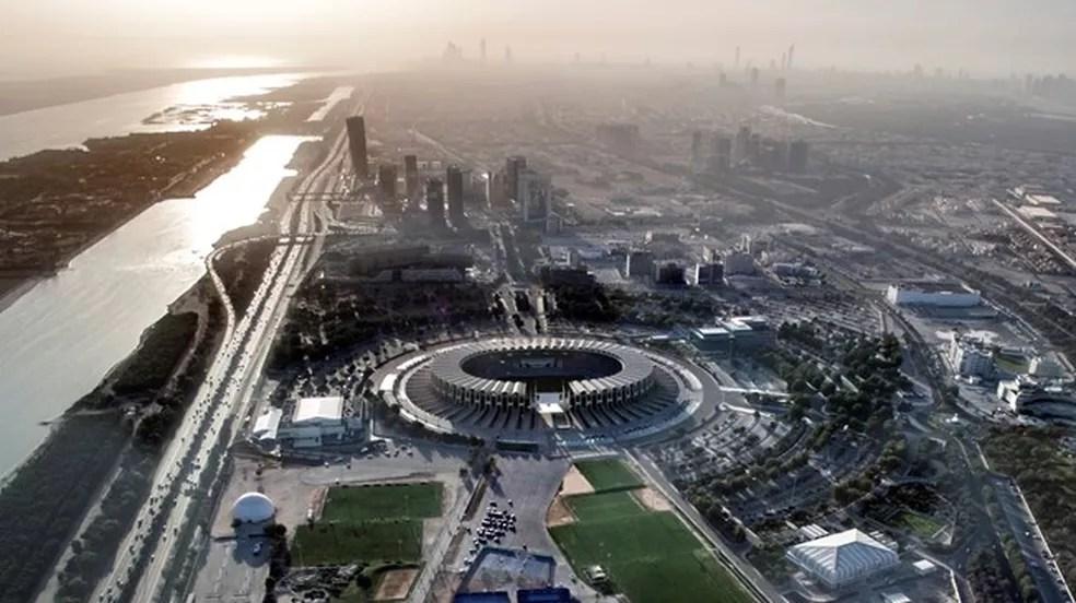 Estádio Zayed Sports City será o palco da final do Mundial de Clubes (Foto: Reprodução/Fifa.com)
