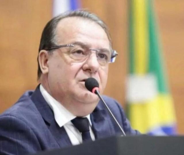 O deputado estadual Silvio Fávero (PSL), de 54 anos, morreu internado com Covid-19 em um hospital particular, em Cuiabá — Foto: Facebook