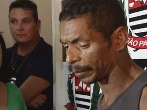 Homem agrediu dona de casa com um pedaço de madeira em Guarujá, SP (Foto: Reprodução / TV Globo)