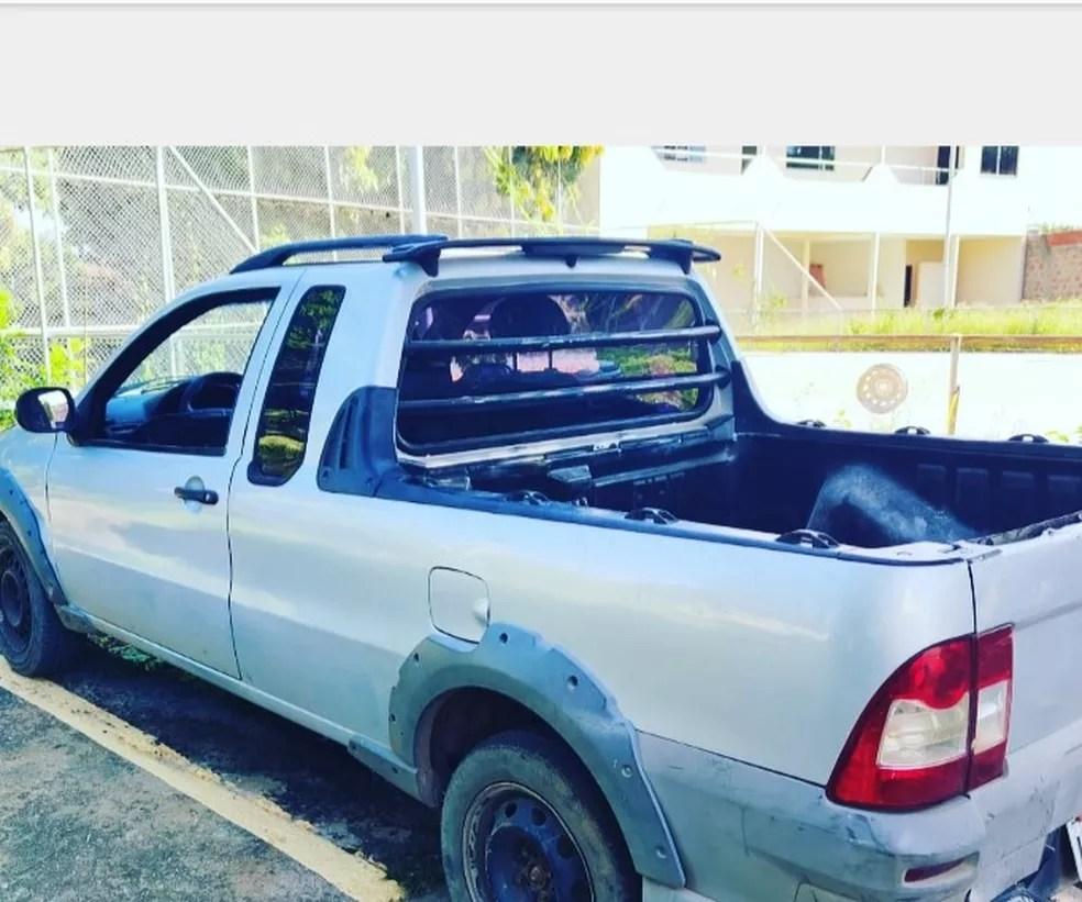 Carro apreendido pela PM — Foto: Polícia Militar / Divulgação