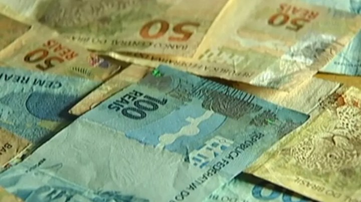 Foram feitos dois depósitos em contas diferentes, com agência no estado de Mato Grosso. — Foto: Reprodução/TV Morena